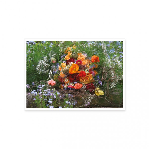 """Postkarte """"Blumenstrauss auf Mauer"""""""