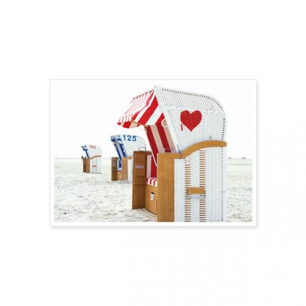 """Postkarte """"Strandkorb mit rotem Herz"""""""