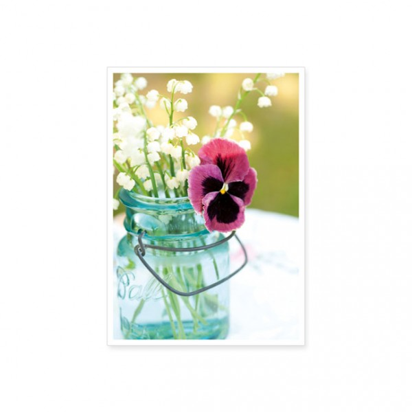 "Postkarte ""Ein Frühlingsstrauß im Glas"""