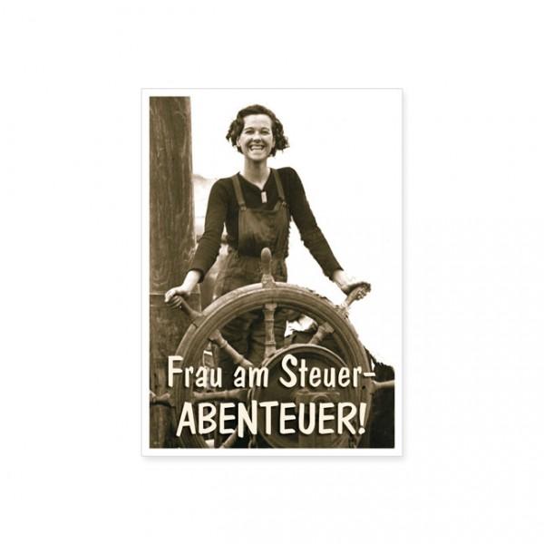 """Postkarte """"Frau am Steuer - Abenteuer!"""""""
