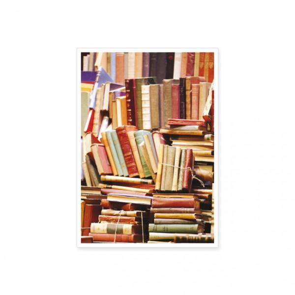 "Postkarte ""Bücherstapel"""
