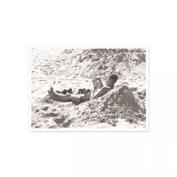 "Postkarte ""Lesefreuden am Strand"""
