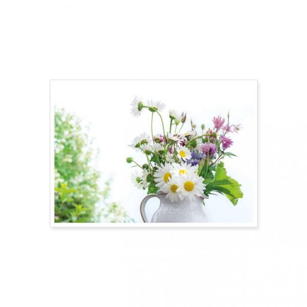 """Postkarte """" Blumenstrauss mit Margeriten und Akelei """""""